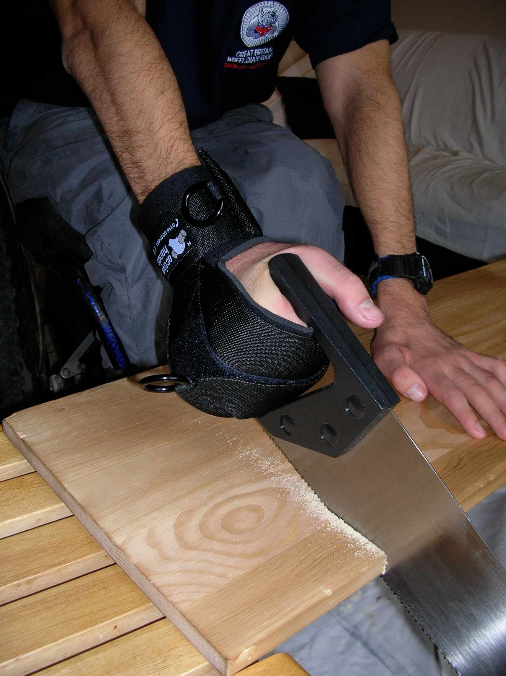 General Purpose aid holding a saw for DIY.