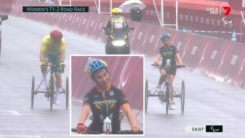 Australian cyclist Stuart Jones spurs on South African cyclist Toni Mould